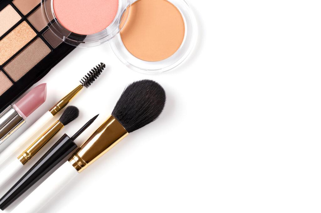Half of U.S. cosmetics contain toxic chemicals 1